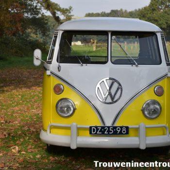 geel Volkswagen T1 busje