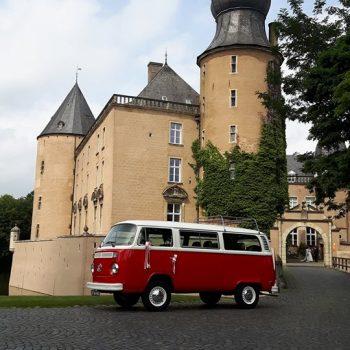 Volkswagen t2b rood met wit busje
