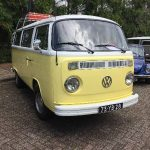 gele VW T2 bus