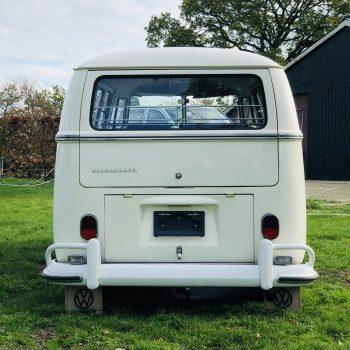 achterkant witte T1 hippiebus
