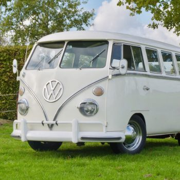 witte Volkswagen T1 spijlbus
