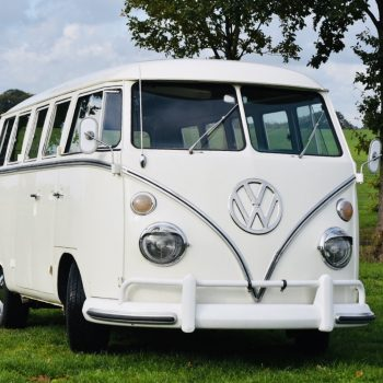 witte Volkswagen T1 spijlbus huren